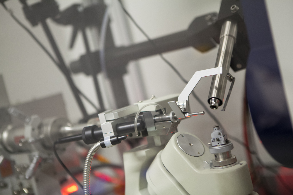 The Electron Microscope Unit was one of the research groups to pilot new software, Calpendo, for managing the use of UCT's facilities and instruments, such as this x-ray diffractometer. (Photo courtesy Stephen Williams)